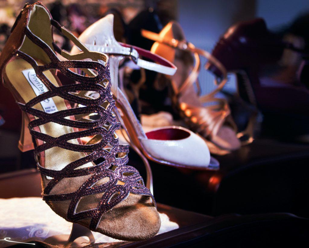 Tango Schuhe Berlin: Bei Hacke & Spitze sind Tanzschuhe erhältlich.